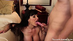 Lisa Ann finds nothing special in seducing that young, big dick guy