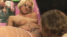 Gorgeous Sara Faye gets her honey hole devoured and nailed by Nathan