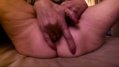 Shaved Asian milf squirting while masturbate on webcam