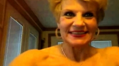 Blond Granny Show Your Sexy Body - Negrofloripa